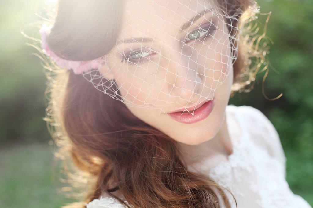 Photo bride with birdcage