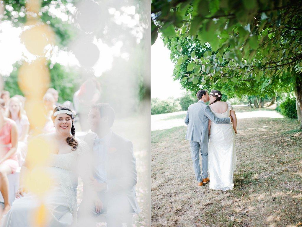 Photo Brautpaar beim Spaziergang im Park.