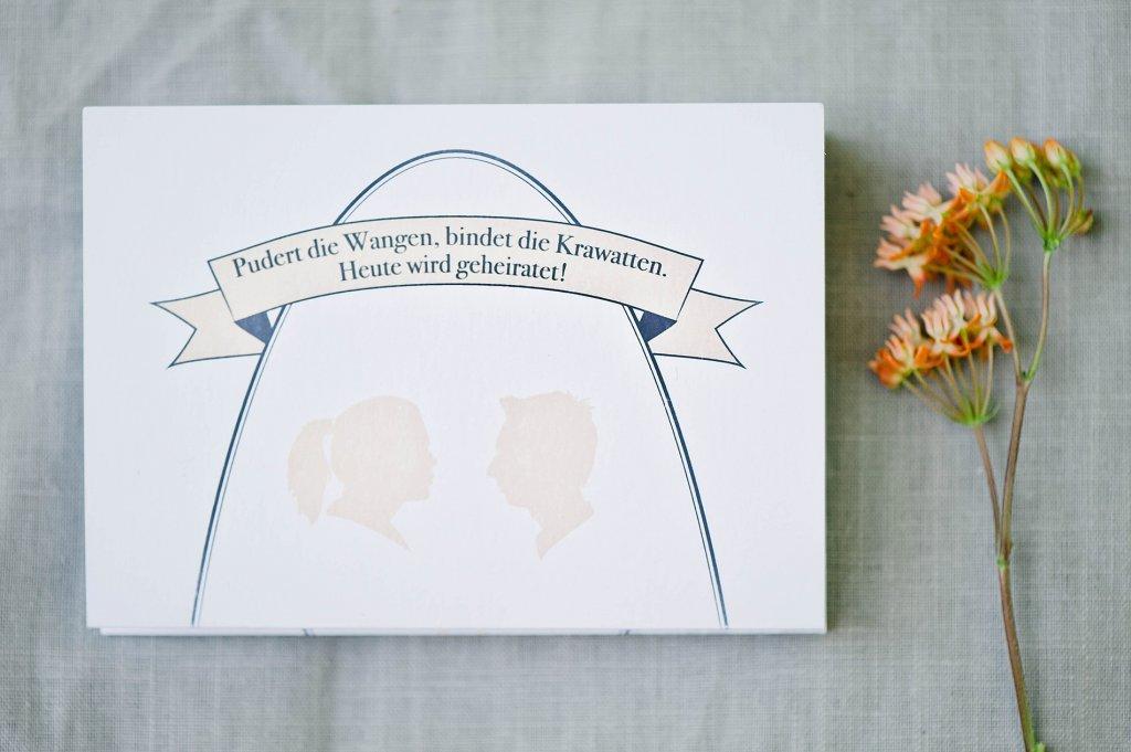 Photo Hochzeitseinladung mit Scherenschnitt-Design